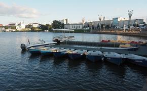 В Минск начали стягивать колонны военной техники