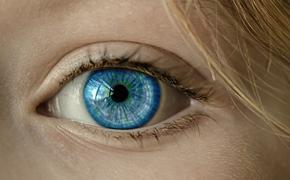 Врачи научились предугадывать близость смерти по глазам