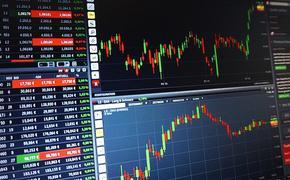Курс доллара превысил 75 рублей на фоне снижения цен на нефть и геополитической напряженности