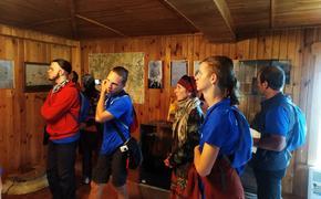 Волонтеры культуры благоустроили объекты деревянного зодчества Тверской области