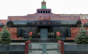 Жириновский призвал не делать из  Красной площади «кладбище»