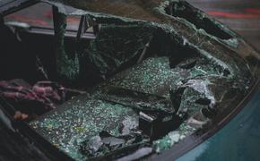 В Коми после столкновения на трассе загорелись два автомобиля, есть погибший