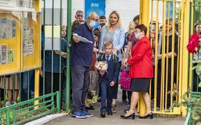 Российские учителя не обязаны иметь отрицательный тест на коронавирус