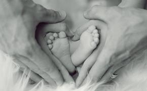 Наталья Подольская родила второго ребёнка и опубликовала фото новорождённого