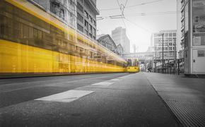 В  Перми иномарка сбила мужчину при выходе из трамвая