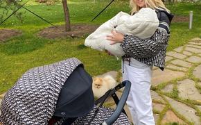 Яна Рудковская рассказала, что ее младшему сыну Арсению исполнился один месяц
