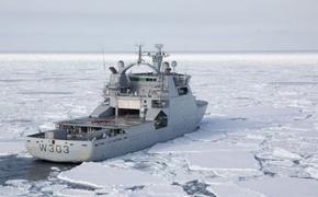 Норвежский военный корабль находится в водах российской Арктики
