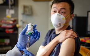Китайская антикоронавирусная вакцина будет доступна к Новому Году