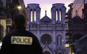 У совершившего теракт в Ницце мужчины нашли нож, два мобильных телефона и Коран