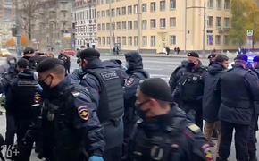 В Москве прошли задержания мусульман у посольства Франции
