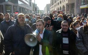 Оппозиция в Армении предложила план спасения Карабаха, означающий новую войну