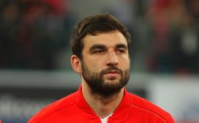 Капитан сборной России по футболу извинился за разгромное поражение в матче с Сербией