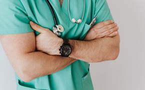 Американский врач показал, как видят мир пациенты с COVID-19 перед смертью