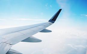 Самолет из-за трещины в лобовом стекле вернулся в аэропорт на Камчатке