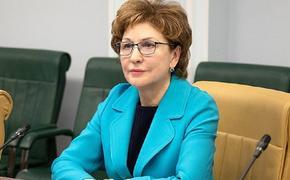 Карелова рассказала, что женщинам разрешили работать дальнобойщиками, шкиперами и машинистами поездов