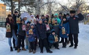 Ватерпольная «Уралочка» подарила праздник детям