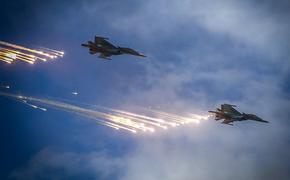 Опубликованы видео уничтожения ВКС России укрытий и транспорта боевиков ИГ в сирийской пустыне