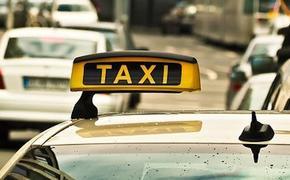 Водитель такси сбил пешехода с детской коляской в Москве