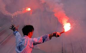 В Ереване радикалы устроили факельное шествие