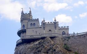 Власти Крыма ослабили введенные из-за COVID-19 ограничения