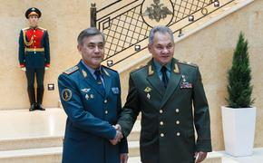 Сергей Шойгу провел переговоры с министром обороны Казахстана