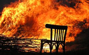 Молодая женщина и двое детей погибли при пожаре в Омской области