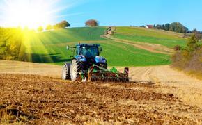 На полях России работает всего 15% сельхозтехники от уровня 1990 года