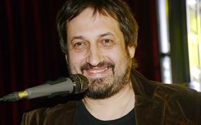 Лидер группы «Старый приятель» Александр Зарецкий умер из-за осложнений после коронавируса