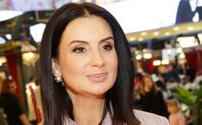 Телеведущую Екатерину Стриженову прооперировали после падения на съемках
