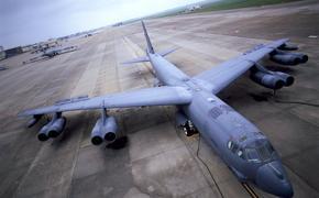 ВВС США срочно восстанавливают списанные стратегические бомбардировщики В-52 для установки на них гиперзвукового оружия