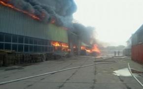 Площадь пожара на складе с бытовой химией в Люберцах выросла до 5 тыс. кв. м