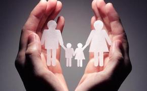 Законы Латвии: родителей, оставивших детей без присмотра, будут жестко штрафовать