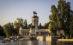 Власти Мадрида призвали оказать давление на EMA для одобрения вакцины «Спутник V»