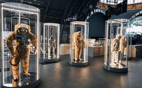 Сергей Собянин и Елена Гагарина открыли выставку «Первый» в Музее космонавтики