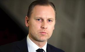 Латвийский депутат жалуется на проявление внимания со стороны женщин