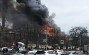 На месте пожара на Невской мануфактуре в Петербурги обнаружили тело погибшего