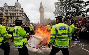 Обида на Лондон: политическая обстановка в Северной Ирландии  накаляется
