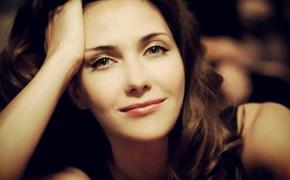 Актриса Екатерина Климова показала фото в «умопомрачительном» платье на открытии ММКФ