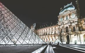 Власти Франции планируют начать приём иностранных туристов с 9 июня при наличии у них санитарных сертификатов