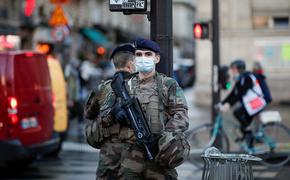 Слова военных об обстановке в стране вызвали во Франции бурную реакцию