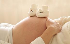 Гинцбург заявил, что вакцинация от COVID-19 беременных женщин может начаться в ближайшие дни