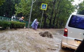 Аксенов назвал «бессильным злорадством» шутку представителя СНБО о подтоплениях в Крыму