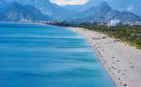 Туроператоры сообщили, что россияне начали менять путевки на отечественные курорты в пользу Турции