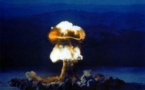 Уехавший из РФ журналист Муждабаев допустил возможность «атомных бомбардировок» Украины Россией