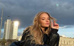 Лиза Пескова опровергла информацию о скорой свадьбе на Сардинии