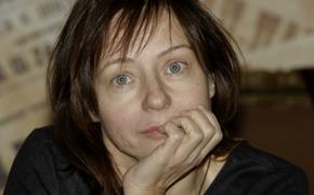 Актриса Евгения Добровольская призналась, почему не сразу назвала имя отца своего сына Яна