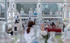Американские ученые нашли антитело, защищающее от всех штаммов COVID-19