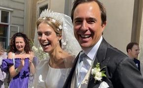 Историческая тиара и платье от известного дизайнера: появились подробности венчания принцессы Марии Анунциаты Лихтенштейнской