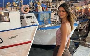 Отпуск в Италии: Кендалл Дженнер поделилась новыми снимками со своим парнем