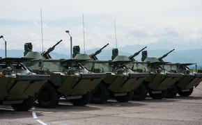 Россия перевооружает свою 201-ю базу и войска Таджикистана, учитывая афганские события